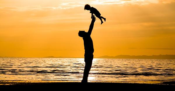 parenting-tip-single-dad-hug-kids